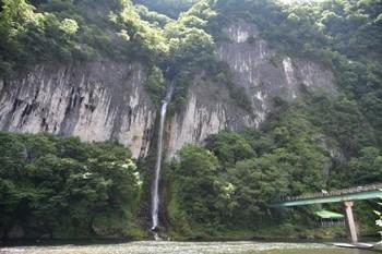 17井倉洞滝.jpg